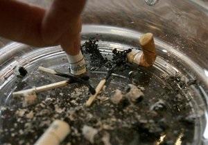 Корреспондент: Число заядлых курильщиков в Украине падает