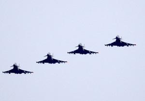 Каддафи не смог покинуть Сирт со своим конвоем из-за французской авиации