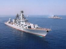Ракетный крейсер Москва причалил в Севастополе