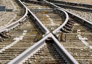 В России поезд столкнулся с грузовиком: погибли два человека, загорелись шесть цистерн