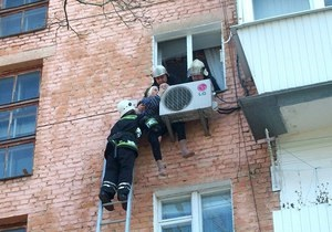 В Ровно 97-летняя женщина выжила после падения с 4 этажа