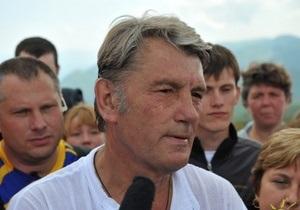 Ющенко поздравил украинцев с Днем Независимости