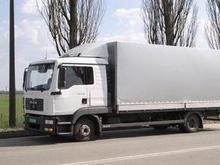 По Киеву из-за жары запретили ездить грузовикам