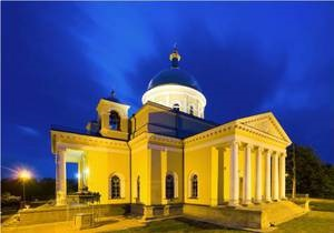 В Болграде Одесской области горит главный собор города, построенный в 1838 году