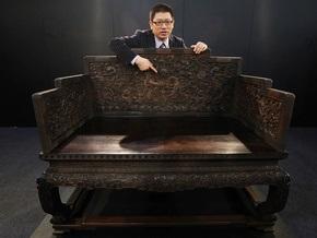 Трон китайского императора продали на аукционе за $11 млн