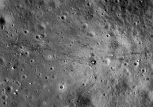 Луна состоит из земной материи почти полностью - астрономы