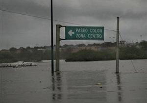 Сотни тысяч мексиканцев вынуждены покидать свои дома из-за наводнения