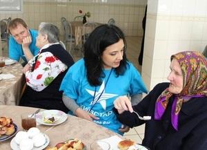 Киевстар  посещает одиноких стариков по всей стране и поздравляет ветеранов
