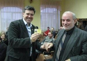 Тягнибок заявил, что членом ВО Свобода стал полный тезка Януковича