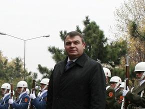 В Севастополе Сердюков ничего не сказал о передаче Украине объектов ЧФ РФ