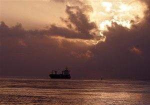 Нигерийские боевики захватили два судна. Ранен украинец