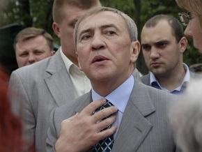 Журналисты уличили Черновецкого в нарушении ПДД