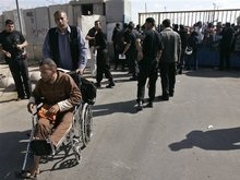 Сектор Газа остался без электричества. Египет открыл границу