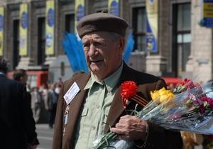 Черновецкий поручил обеспечить квартирами столичных ветеранов