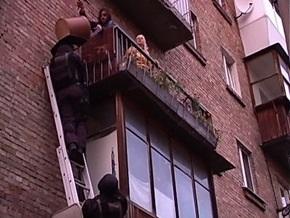Беркут взял штурмом квартиру в Голосеевском районе Киева