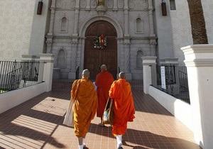 В буддистском храмовом комплексе прогремели взрывы