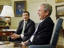 Буш и Саакашвили поговорили на кулинарные, танцевальные и военные темы