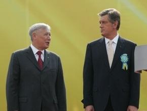 Ющенко заявил, что отставка Еханурова - это путь к монархии