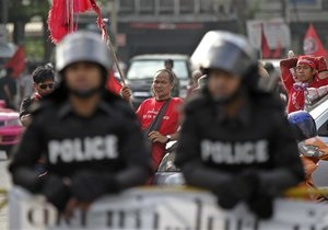 Не менее 20 человек убиты в ходе столкновений в Бангкоке