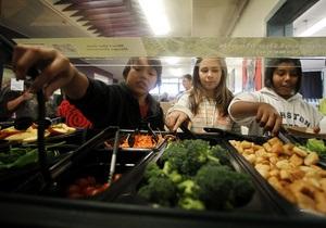 Шведские школьники выступили в защиту вкусно готовящего повара
