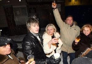 Родственники и соратники Луценко встретили Новый год под Лукьяновским СИЗО