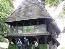 Балога купил деревянную церковь