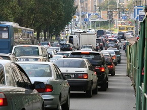 В Киеве ограничат движение по проспекту 50-летия Октября, Южному и Московскому мостам
