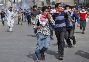 В столкновениях у посольства США в Пакистане были ранены девять полицейских