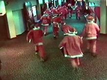 Новозеландские Санта-Клаусы устроили погром в кинотеатре