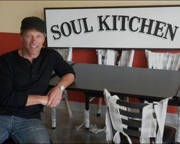 Бон Джови открыл в США благотворительный ресторан