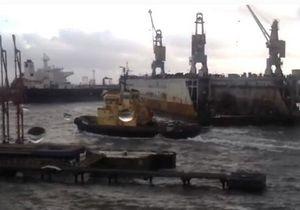 В Одесском порту ураганом унесло в море док