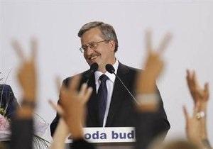 Польша: после подсчета 80% голосов впереди Коморовский