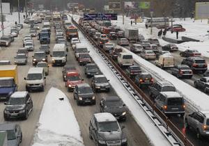 В ГАИ заявляют, что затруднение движения на дорогах Киева создают сами водители