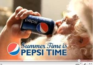 Маркетинговые войны: Pepsi в пику Coca-Cola использовала в рекламе Санта-Клауса