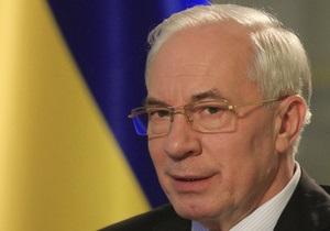 Азаров вновь заговорил о дефолте