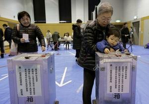 На парламентских выборах в Японии побеждает оппозиция