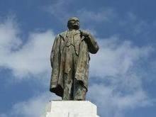 В Крыму открыт реконструированный памятник Ленину