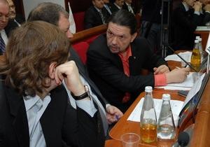 Источник в Кабмине сообщил, что правительство намерено уволить троих заместителей Черновецкого
