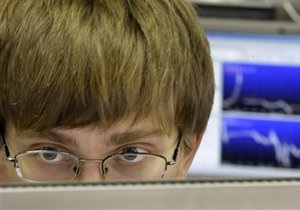Украинский фондовый рынок снижается на рекордных объемах