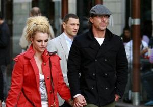 Сегодня: В Киеве Бритни Спирс гуляла по Крещатику, однако ее никто не узнавал