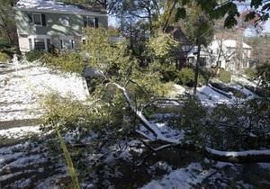 Сильнейшие снегопады в США: свыше трех миллионов домов остались без света