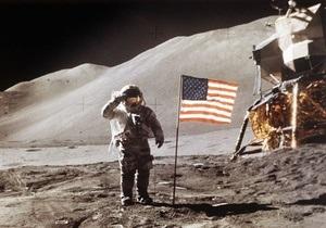 Американские флаги на поверхности Луны все еще стоят