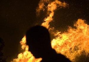 В Киеве новогодняя гирлянда стала причиной пожара