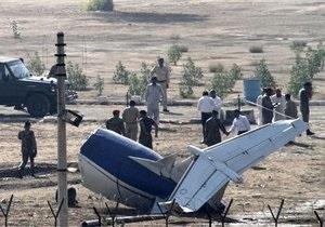В Пакистане упал частный самолет: более 20 погибших