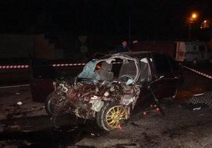 В Виннице на окружной водитель Honda столкнулась с грузовиком: двое погибших