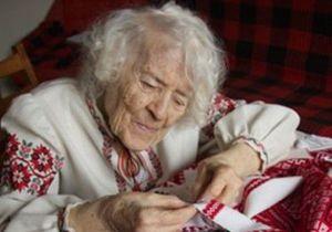 Умерла самая известная украинская вышивальщица