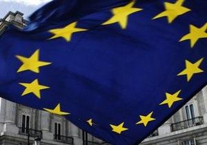 Депутат Европарламента: Украинской власти показали желтую карточку