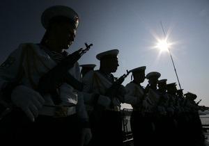 В Севастополе прошел совместный парад украинских и российских моряков