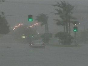 На Австралию обрушился самый масштабный за 25 лет ураган