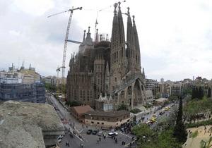 В одном из самых известных соборов Барселоны произошел пожар